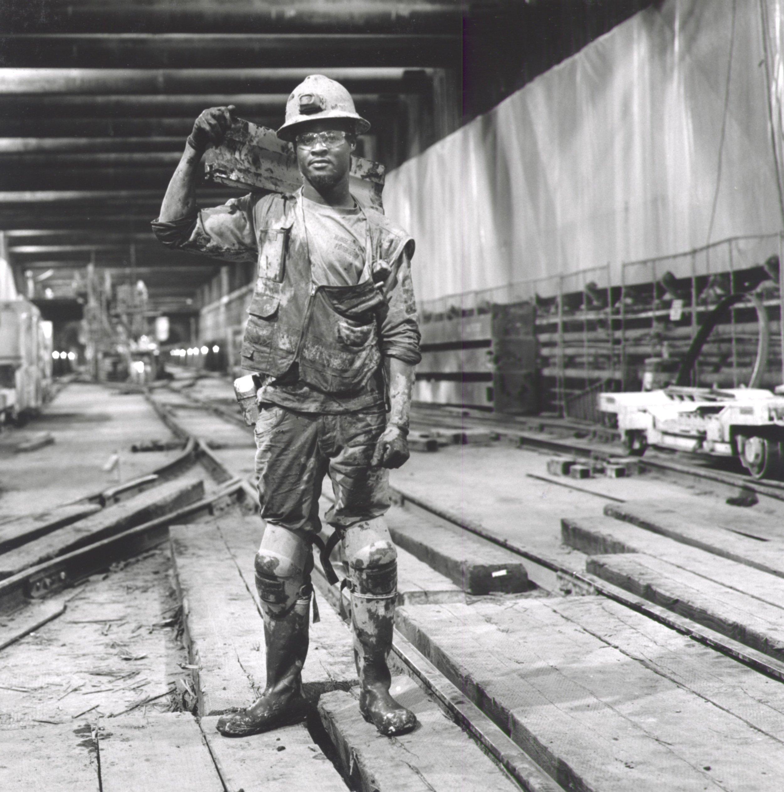 Wilshire & LaBrea Bottom Landing - Miner 2019