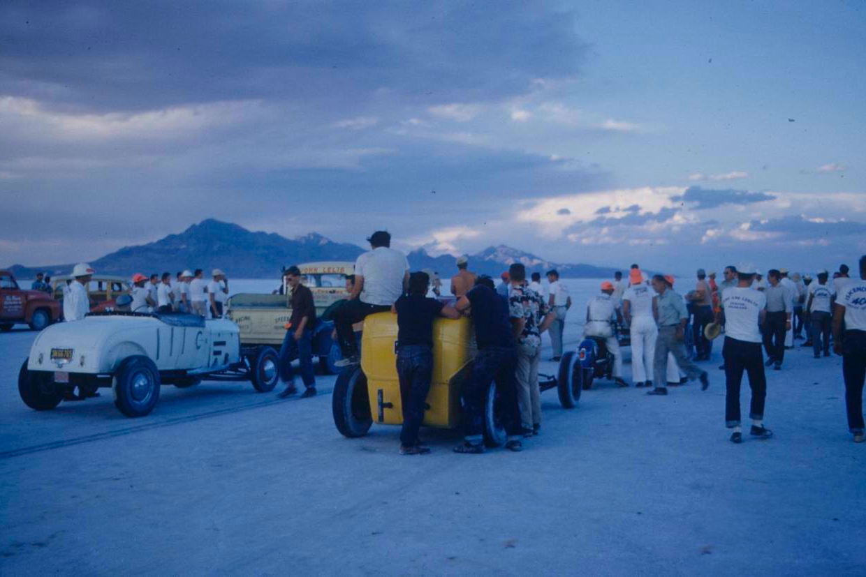 bonneville-salt-flats-drag-racing-1950s.jpg