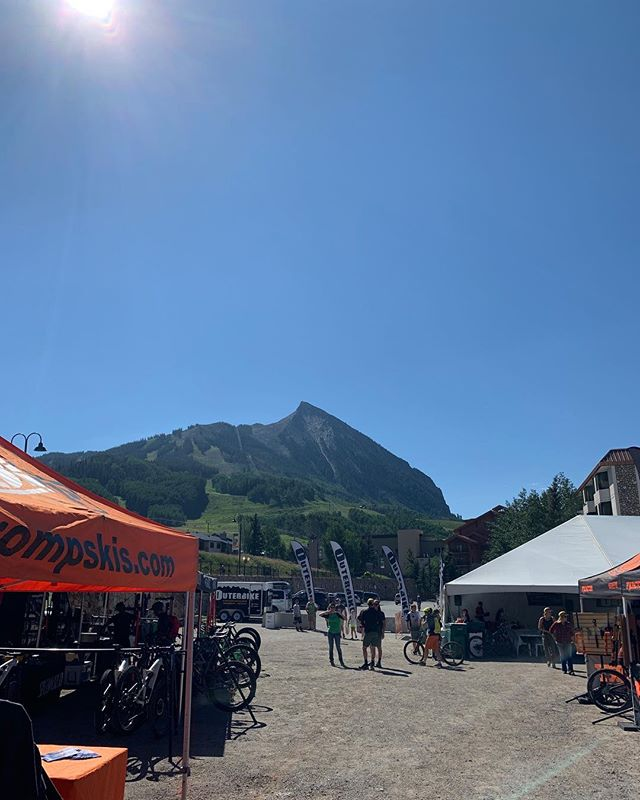Outerbike Crested Butte is going off. Trails are in pristine shape, come and have #yourbestride #marinbikes #alpinetrail #newtonst #evocusa #hippackpro #mucoff #nanowash