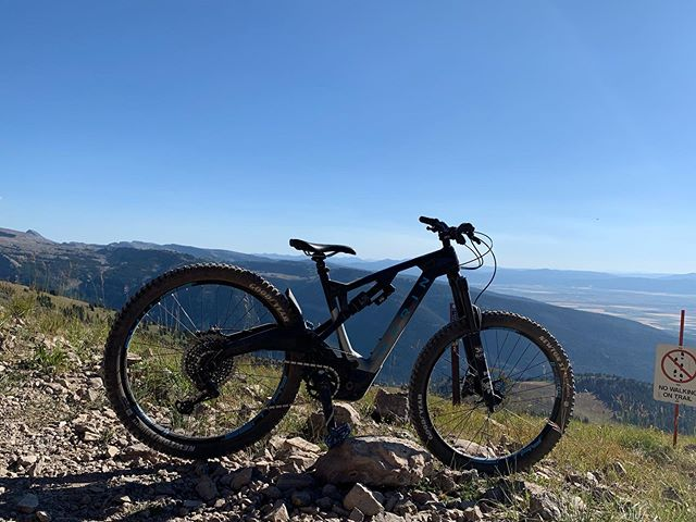 The Mount Vision has the Vision of mountains. Grand Targhee is awesome. We still have two more days of demo fun here. Come and have #yourbestride #marinbikes #goodyearbike #mucoffproducts evocusa