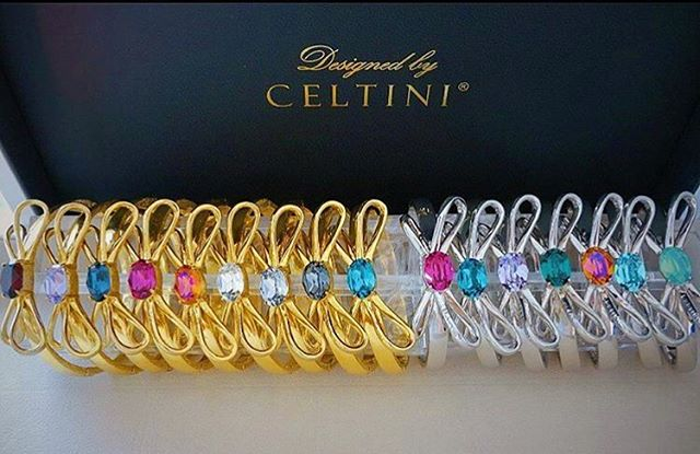 Our colorful Bow Bracelets Available in adjustable size suited for everyone! Vacuum plated in 18 k Gold and Rhodium, nickel and lead free, www.celtini.com ✨ ————————–––——–––— #celtiniofficial #celtinijewelry #celtini #swarovskijewelry #swarovski #bracelet #bangle #rosett #rosetter #rosettarmband #jewelrydesigner #armcandy #colorfuljewelry #colorful #bracelets #armband #designersmycken