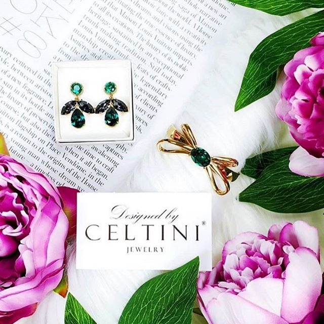 We haven't post so much lately because we're busy working on New designs and a New Collection.. hope you still hang in there 💖 www.celtini.com, Photocred: @mrs.luziano ✨ ——————–—————————— #celtini #celtiniofficial #celtinijewelry #smycken #jewelry #couturejewelry #örhängen #rosett #rosetter #bracelet #earrings #designerbrand #brand #designer #jewelrydesigner