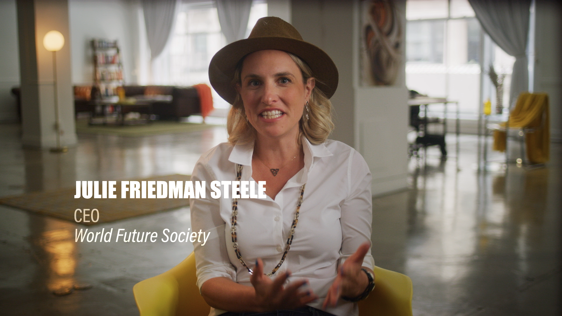 Julie Steele.png