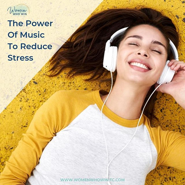 Are you feeling 𝐬𝐭𝐫𝐞𝐬𝐬𝐞𝐝, 𝐝𝐞𝐩𝐫𝐞𝐬𝐬𝐞𝐝 𝐨𝐫 𝐚𝐧𝐱𝐢𝐨𝐮𝐬?  Music is a great way to either feel more POSITIVE and OPTIMISTIC or to get into a RELAXED state!🎧  Research has shown that upbeat music with a quicker tempo can make you feel more alert, focused, optimistic and positive!🎉It's amazing how this can improve your mood in seconds!  If you're feeling stressed, try music with a 𝘴𝘭𝘰𝘸𝘦𝘳 tempo. This helps quiet your mind, relax your muscles and it's a fabulous way to release stress.😌  I use both types of music depending on how I'm feeling and what I need to accomplish.🎵  I love de-stressing with quieter music, especially when I'm journaling at the end of the day.📖  It's like a double dose of relaxant and anti-stress therapy!  Do you have any tips on what works for you?