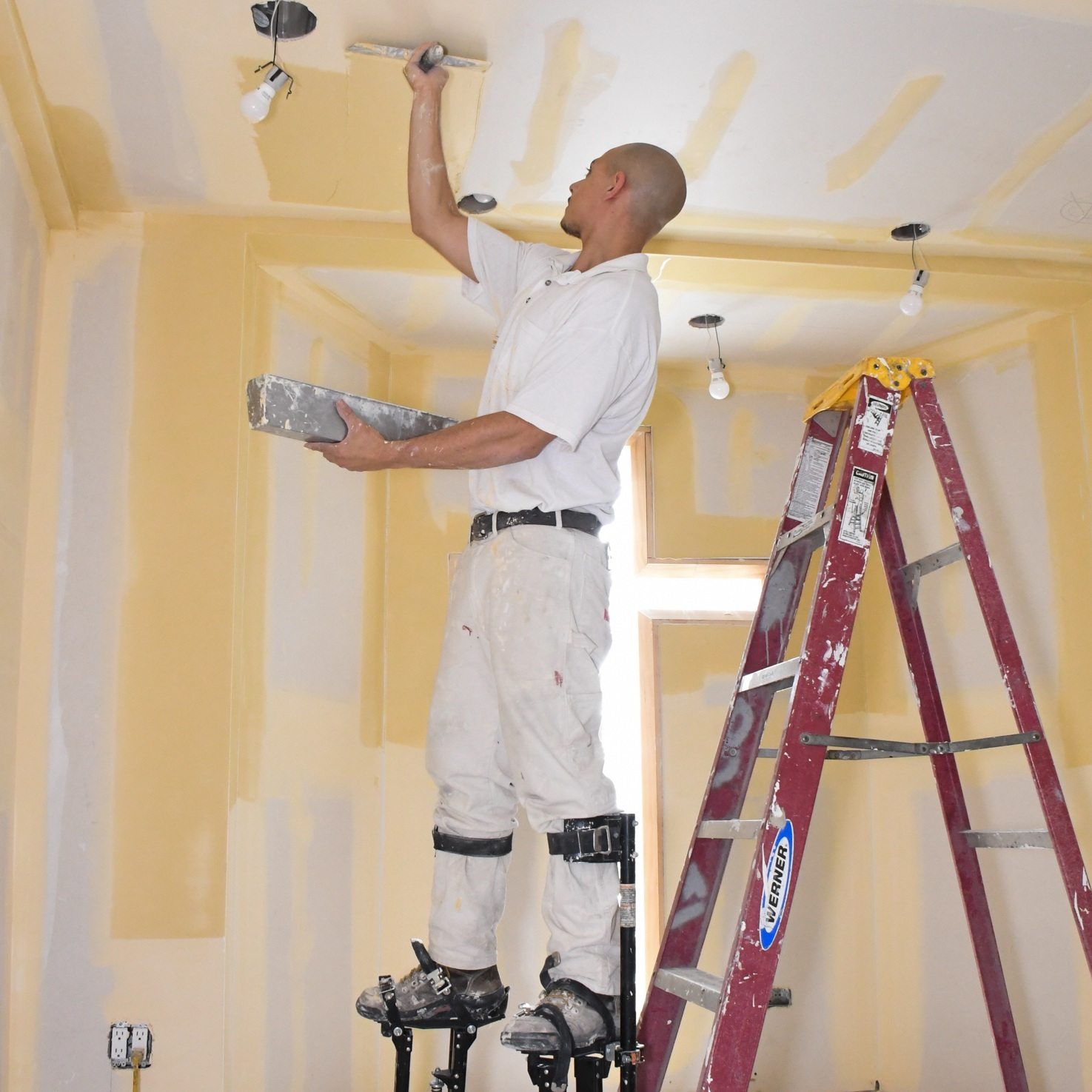 DRYWALL FINISHING - • Proper Mudding and Taping techniques for production• Spray application of joint compound• Pump/Spray maintenance and cleaning• Automatic Taping Tools• (5) Levels of Drywall Finishes