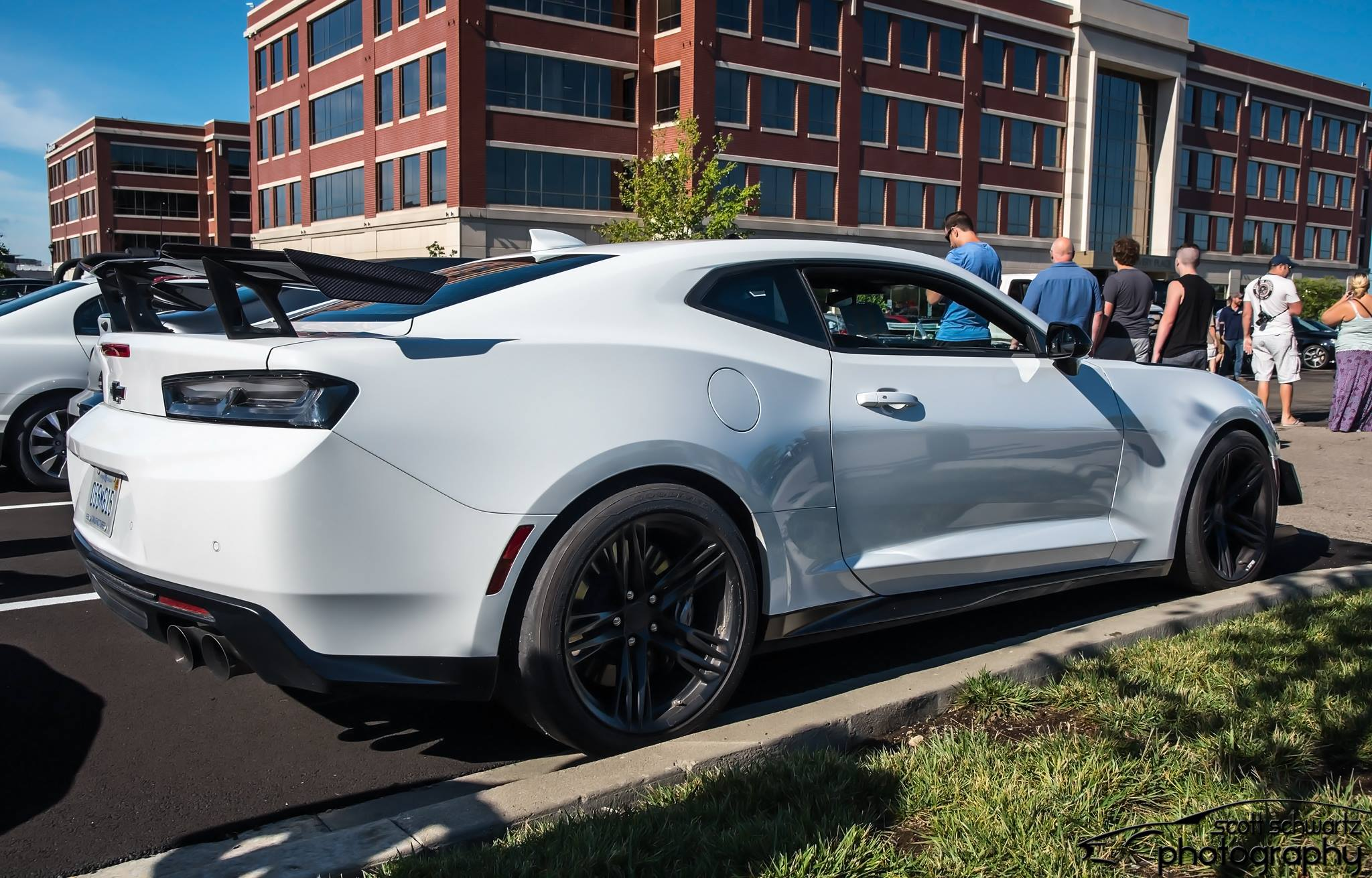 Camaro ZL1 1LE - Right Side.jpg