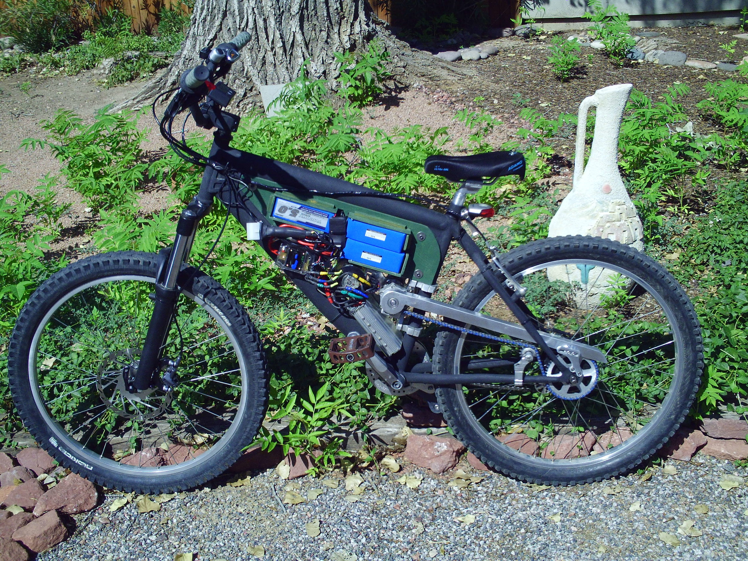 The test mule for the electronics and drivetrain tech that will be going in the first camper trike.