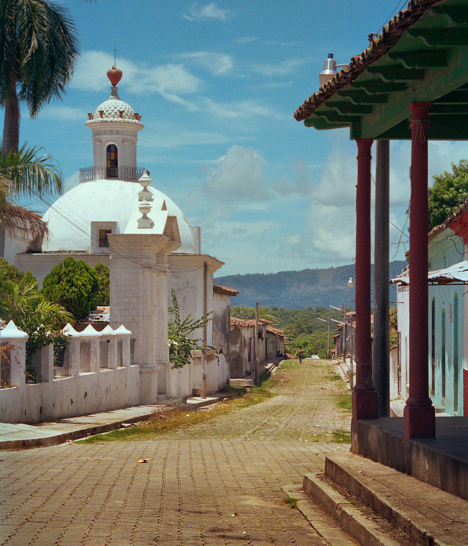 El Salvador, 1996
