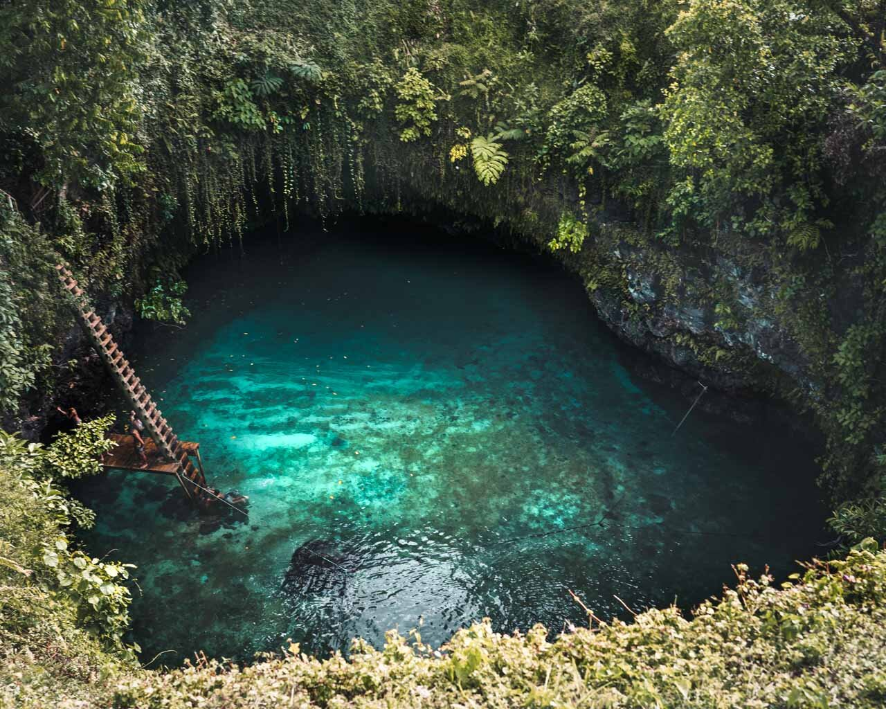 Overview shot To Sua Ocean Trench