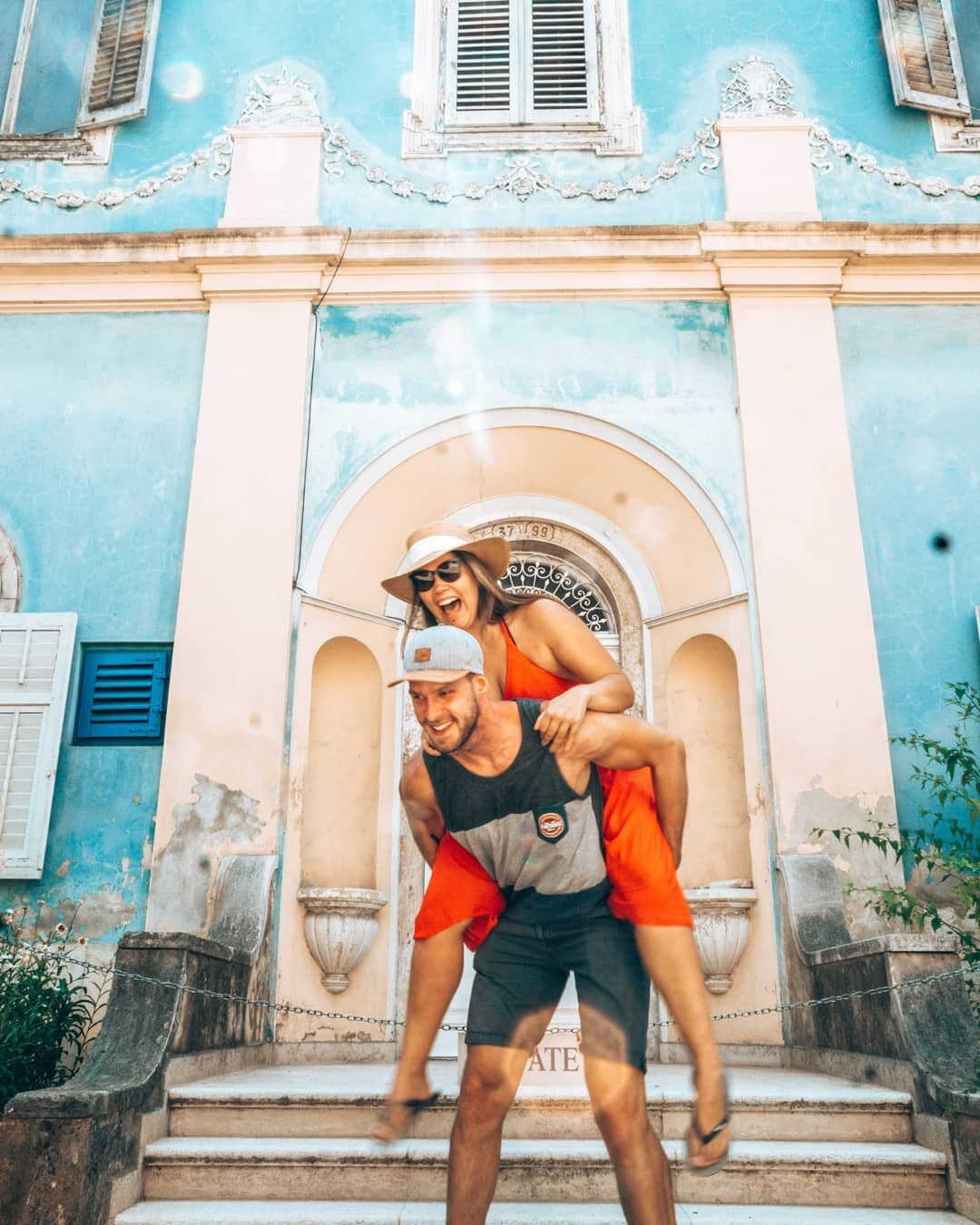 Travel couple How to start a travel blog guide