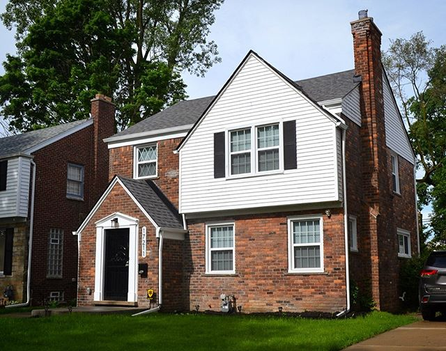 Newly listed in Grandmont-Rosedale! 🏡 3 bedroom, 1.5 bathroom, 1,579 SF fully renovated brick colonial for sale at $150,000. All flooring, bathrooms, systems and windows are brand-new. Open house tomorrow, Saturday, June 8th, 1-3 PM. • Address: 17211 Huntington Rd, Detroit, MI 48219 • Realtor: Cheryl V. Davis