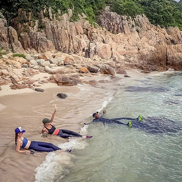 Waste free bliss, Chilling after a nice coasteering adventure, come and join us sometime 😃 . . . . #adventurecleanHK #thecleanupadventure  #cleanHKcoast #cleancoast #coasteering  #habitscleanup #gogreen #greenhabits #explorehongkong #weekendadventure  #outdoorplayground #HongKong #littlegreensteps #startsmallstartnow #enoughplastic