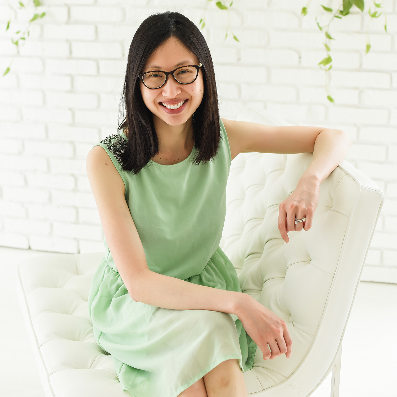 hi, I'm Mun Cho. - I'm a Registered Dietitian and Nutritionist specializing in pediatric nutrition, food allergies and eating disorders. I guide parents to let go of rigid rules and replace their fears with confidence to provide nutritional balance for their families. As a food allergy mom of two, I understand how hard it is to navigate different food allergies.