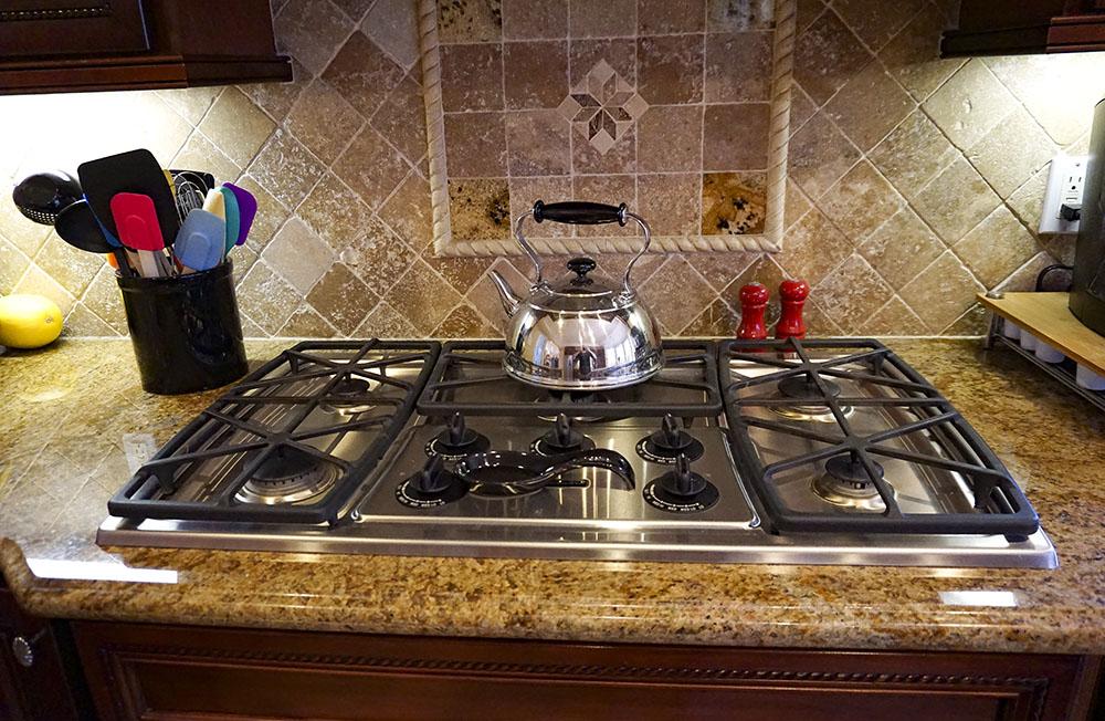 11-kitchen-range.jpg