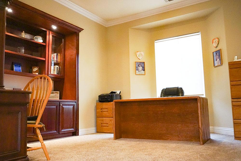 24-office.jpg