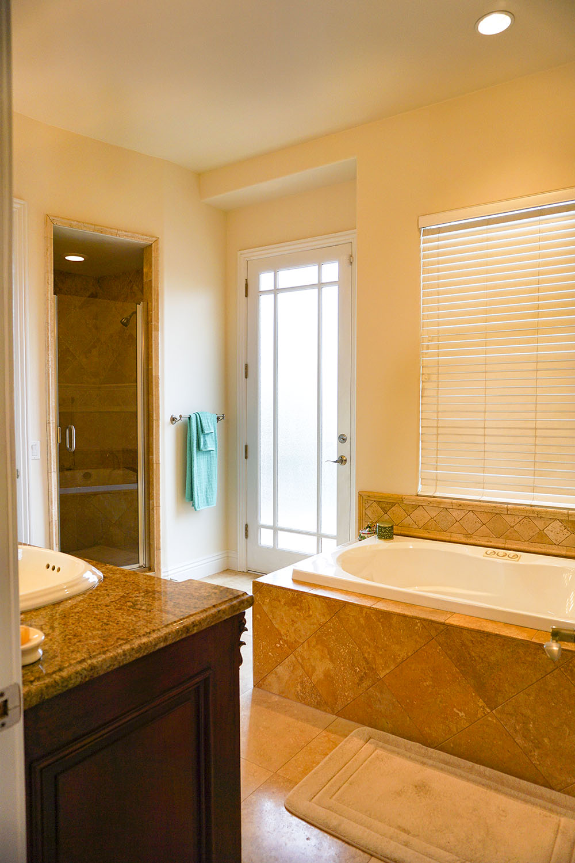 27-master-bath.jpg