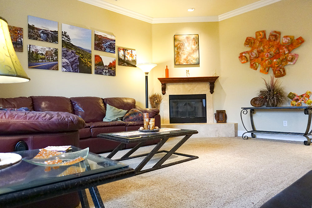 18-living-room-fireplace.jpg
