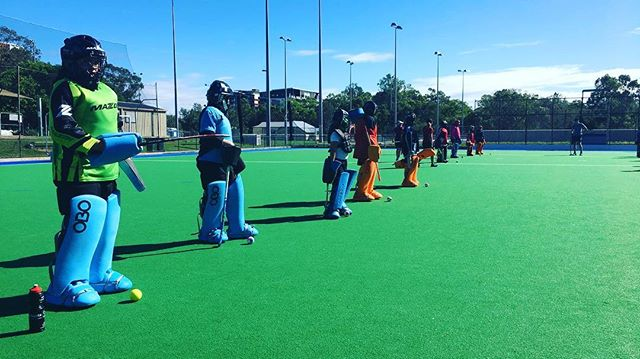 We're here at Burringbar Park for the next two days for GK Clinics. 36 Brisbane Goalies are being coached by the best - @c.banditt98 @emilycrump_15 @amandapaech & @shark.finn117 #brishockey #goaliesrule
