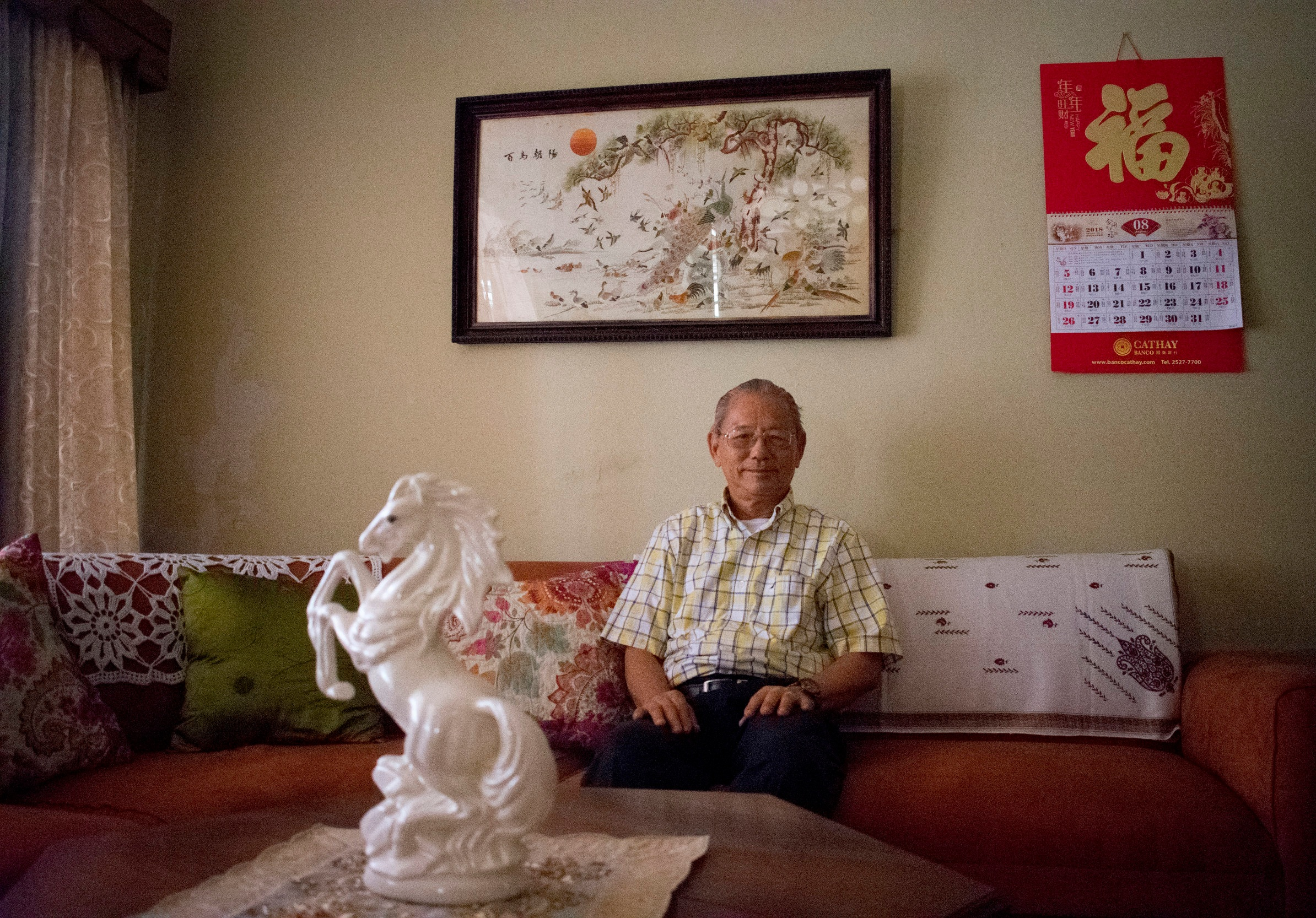 11.+Don+Mario+Chin+Fong%2C+ex-president+of+the+Chinese+Association%2C+sits+in+his+house.jpg