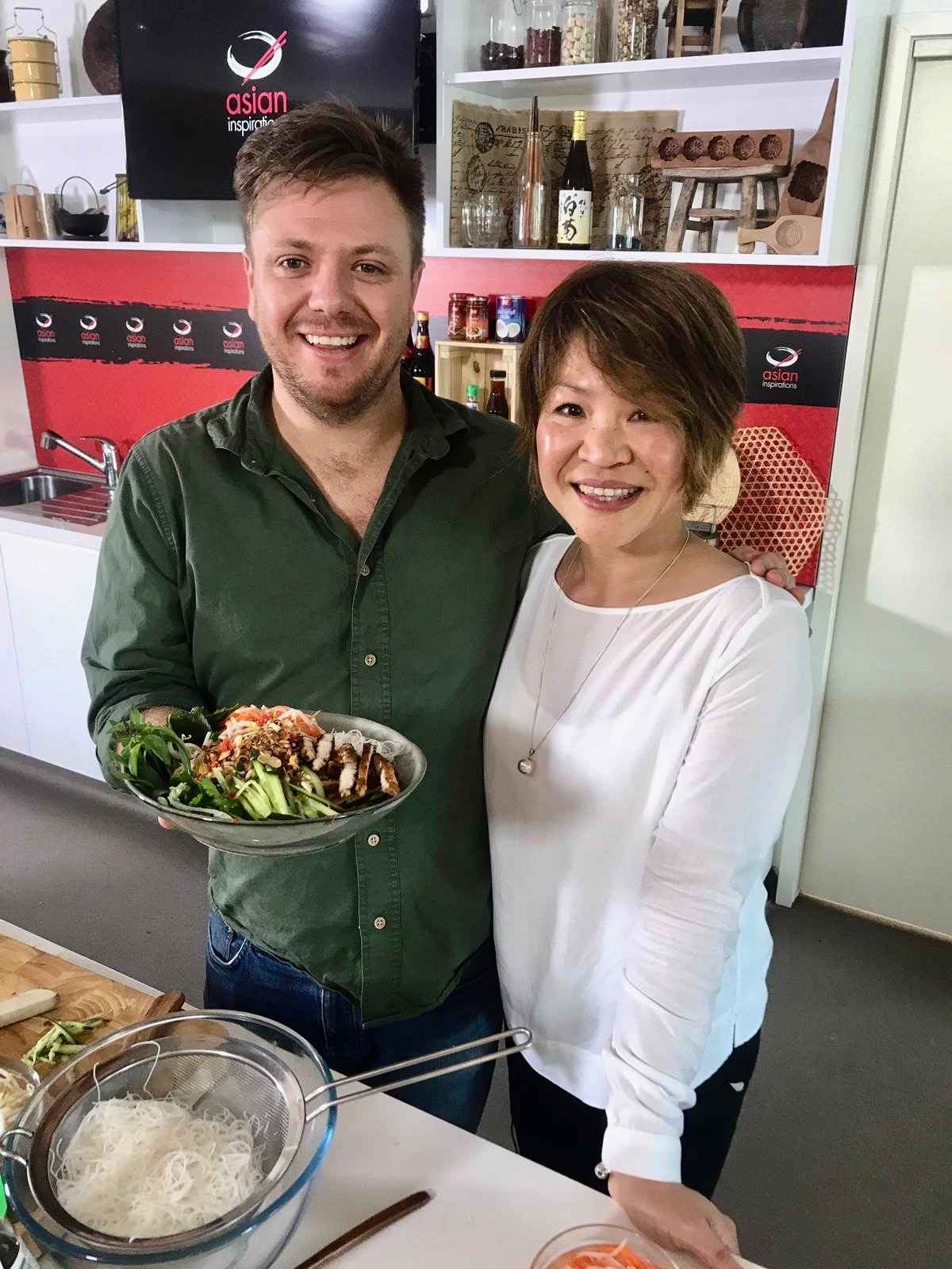 Masterchef Michael Weldon and Chef Lillie - The Cook's Pantry Channel 10