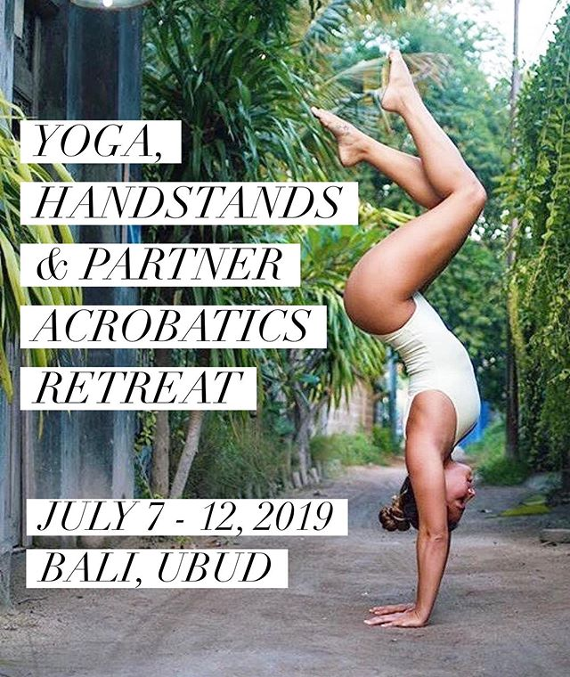 Don't miss out! We only have 2 spots left for our July retreat 💚✌🏼 Come to paradise & train with @rhiannoncavewalker @chriscarlos__ & @sarahyassin_ 🌴 Find our more via our website (link in the bio) 🌱 #handstand #handstandretreat #baliretreat #baliretreats #yogaretreatbali #onearmhandstand #handstandpractice #handstanding #retreats #handbalance #yoga #yogahandstand #baliretreat2019 #beachhandstand
