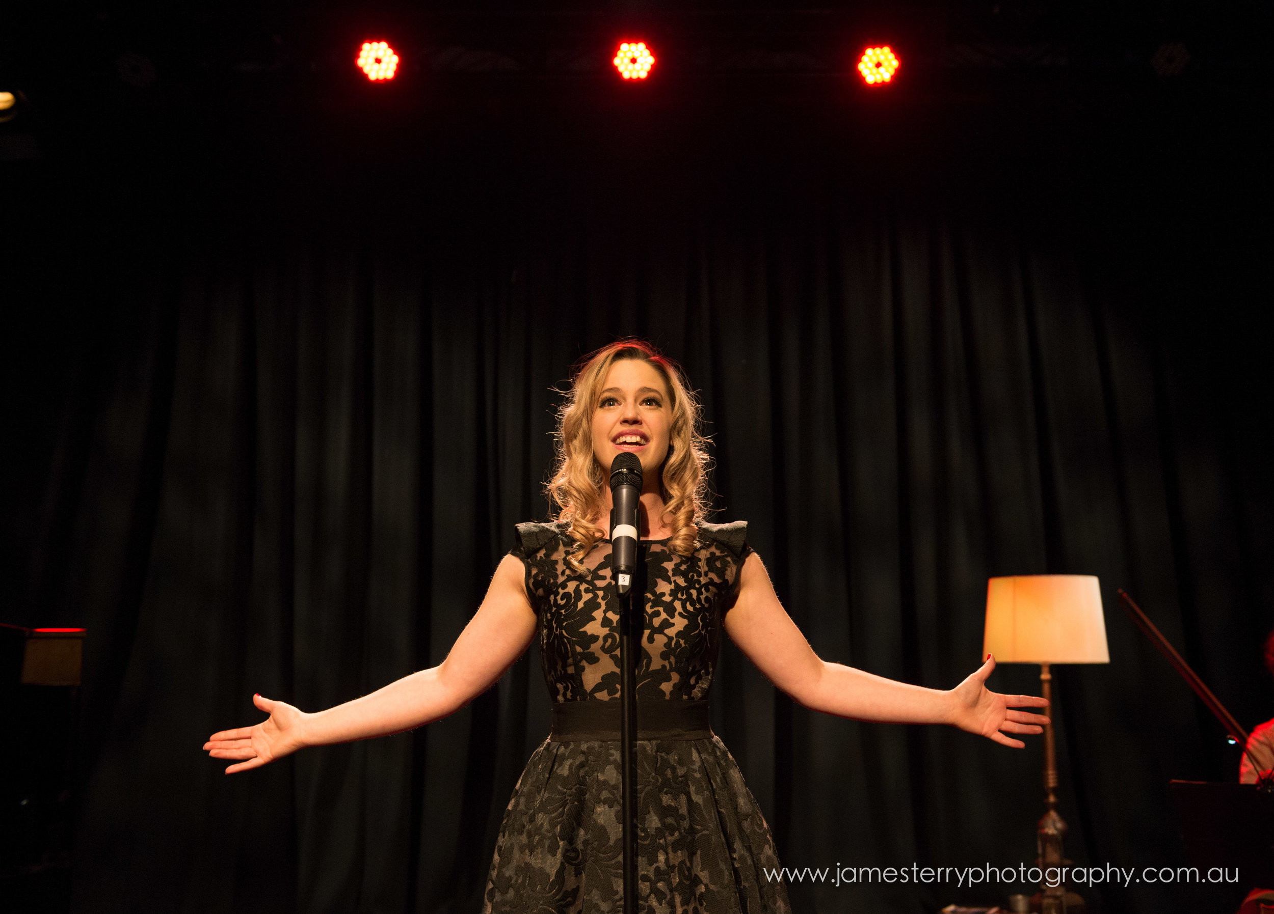 Pictures: Songs from Movie Musicals - Picture of Kerrie Anne Greenland by James Terry