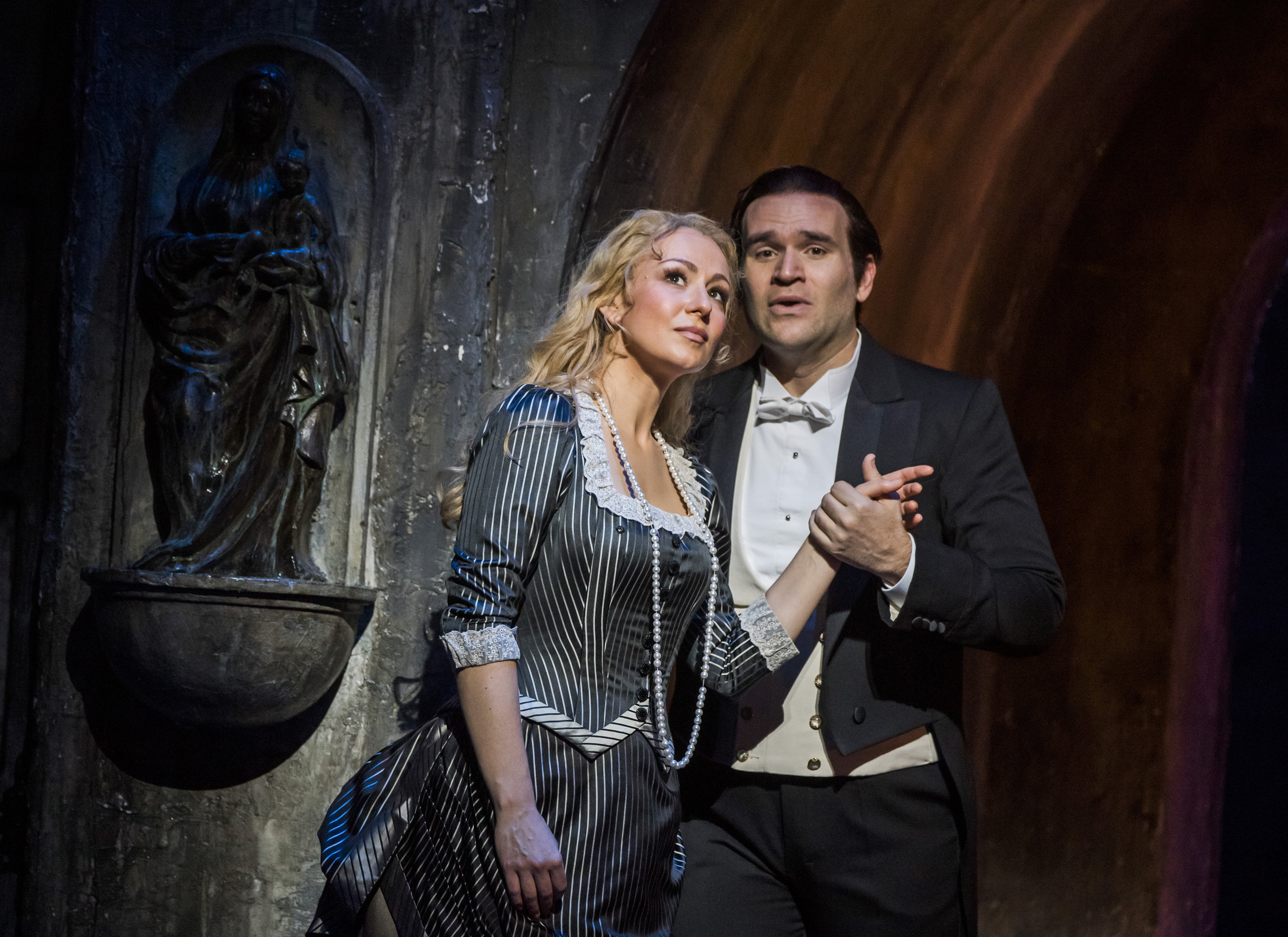 Faust - There are many versions of the story of Faust, who trades his soul with the Devil for youth and power, but Gounod's opera remains one of the most constantly enthralling. Michael Fabiano stars as Faust, with Diana Damrau as his beloved Marguerite and Erwin Schrott as the diabolical Méphistophélès.Virtuoso leading roles, a large chorus, sensational sets, ballet and an ecstatic finale make this the epitome of theatrical spectacle – the lavish scale of French grand opera is wonderfully in evidence in this production by David McVicar, set in 1870s Paris.Above all, the music includes several of popular opera's most recognizable numbers, performed by a cast of great international singers and the Royal Opera Chorus.