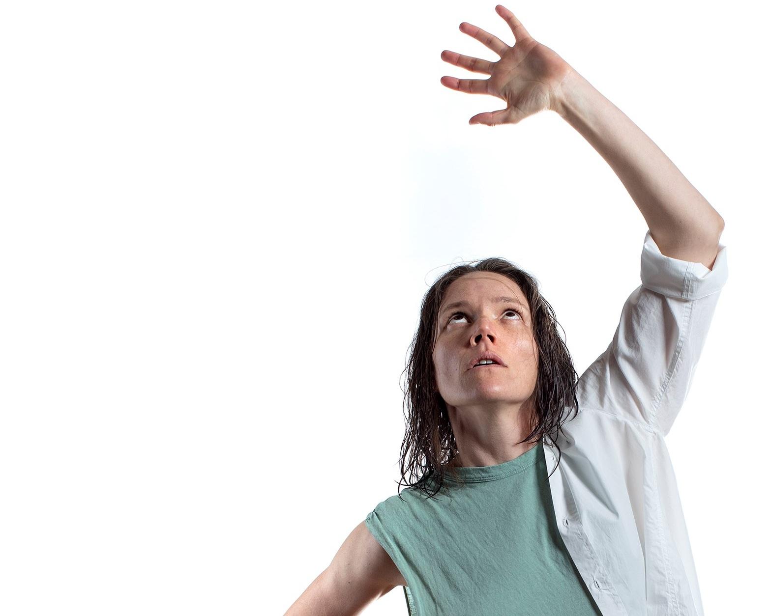 Chorus - Ella Prince plays Agamemnon in this retelling.