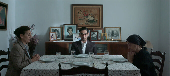 The Bullet Within - A 35-year-old son buries his 27-year-old father in a divided Cyprus.