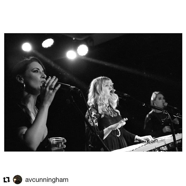 #Repost @avcunningham (@get_repost) ・・・ My first time seeing HEX HUE at @_womenswork's Blondie night the other week. . June 2019 #35mm