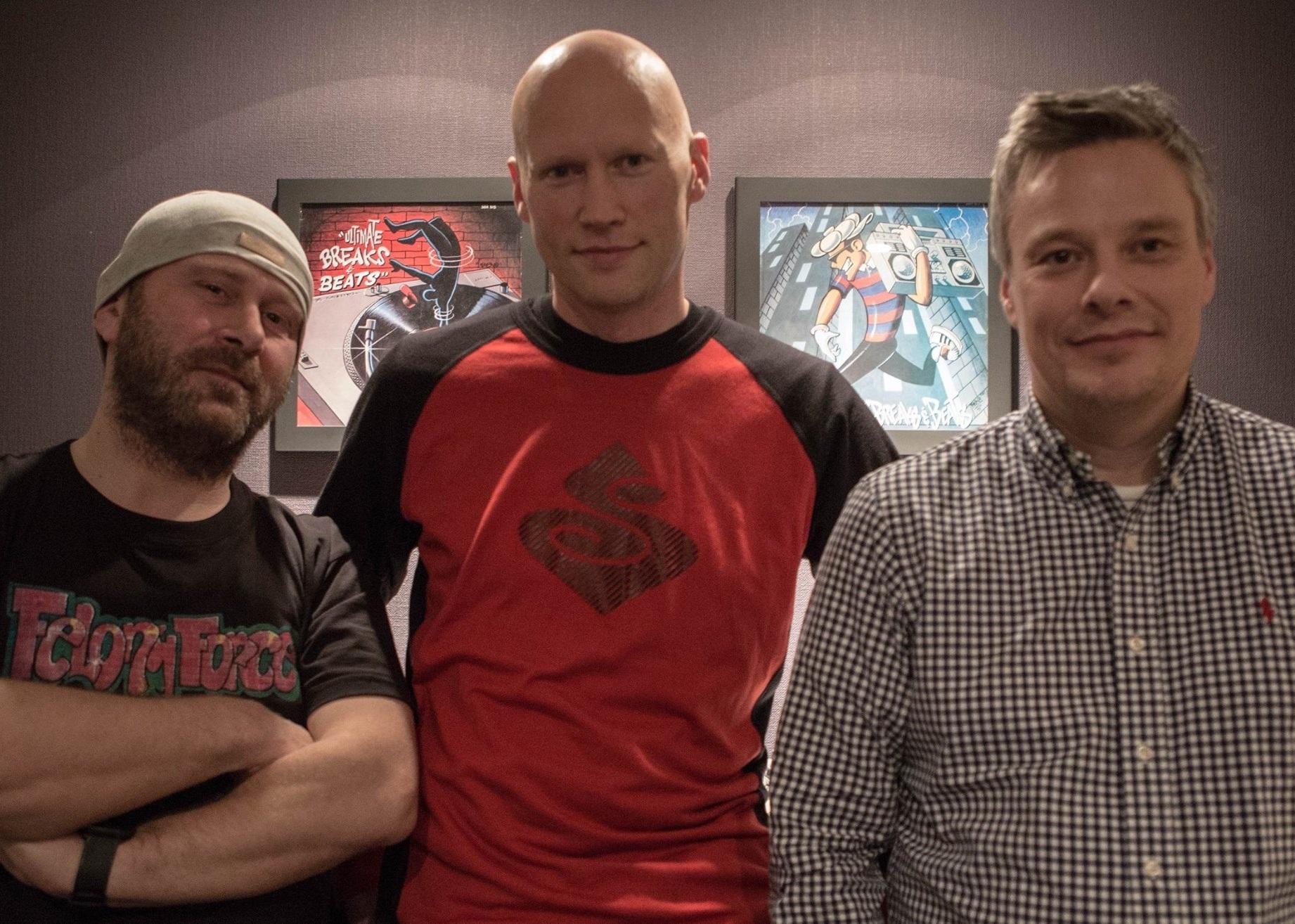 FELONY FORCE - Felony Force består av Rune Mareliussen (2 B Nice), Vebjørn Remme (DJ Vee) og Bjørn Roger Vindvik (TMC). De startet opp på 80-tallet som DJs.Singelen