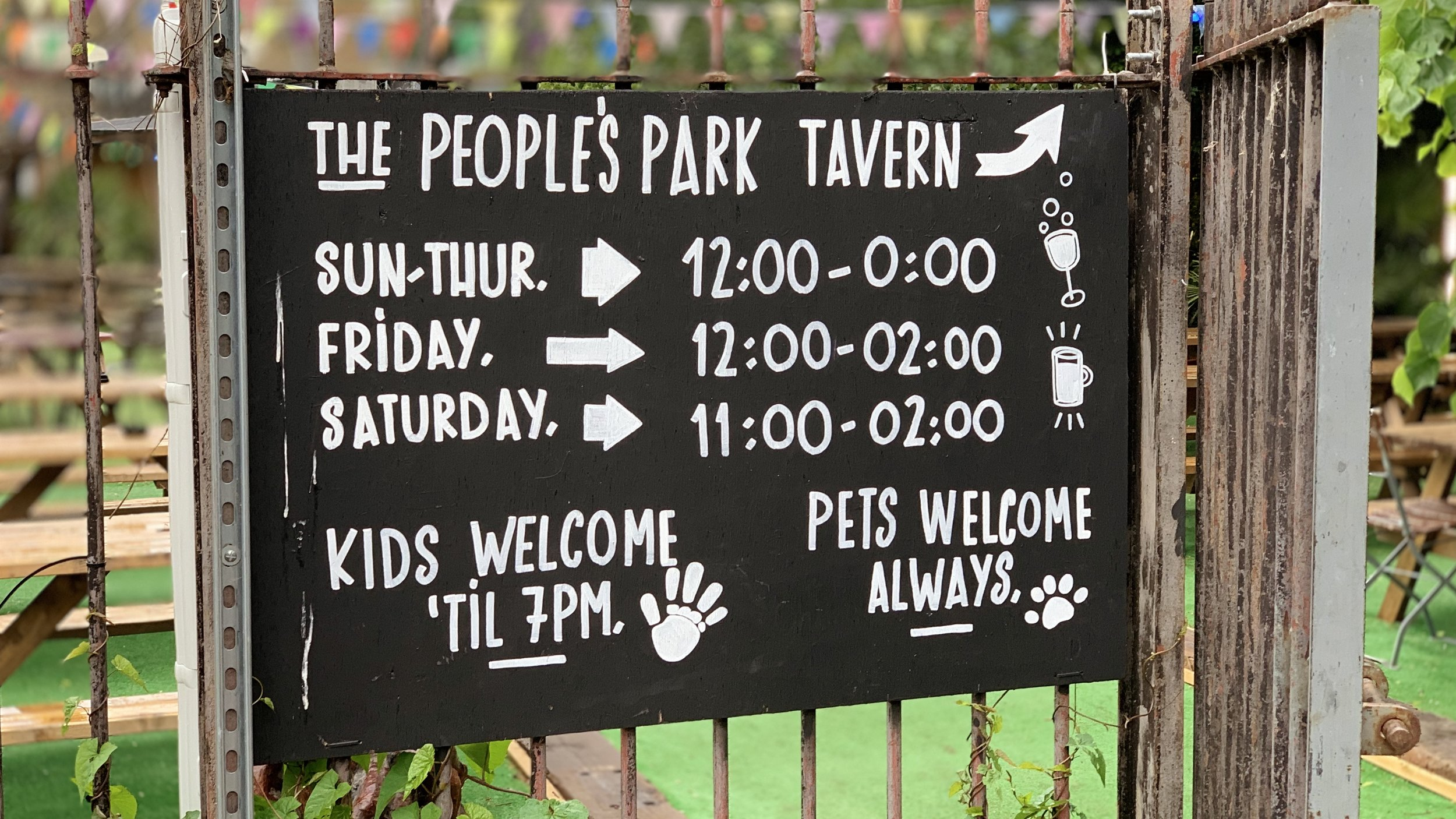 peoples park tavern london bangers and mash dog collective.jpg