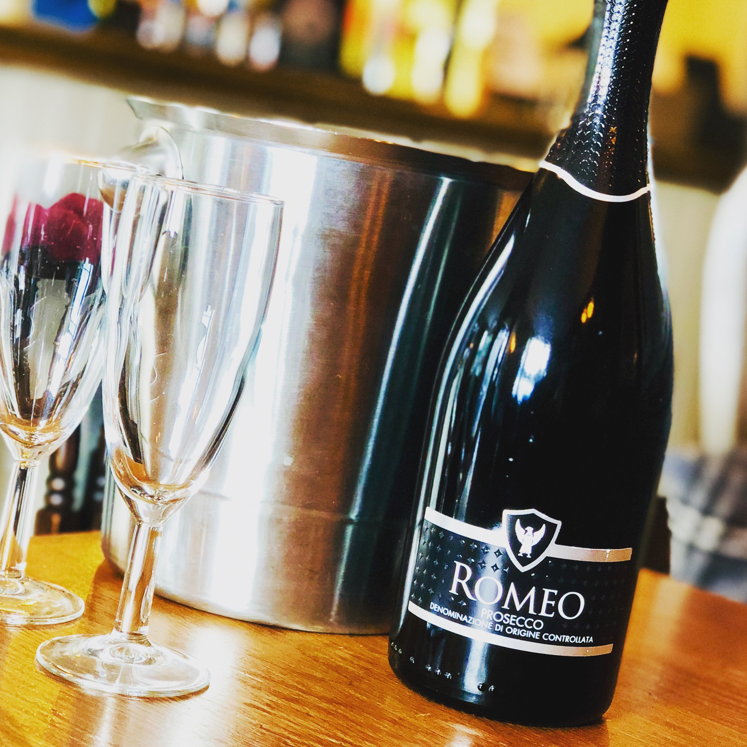 FEELIN' BUBBLY? - Enjoy £5 OFF Romeo Prosecco Spumante every Friday from 5pm. Excludes Bank Holidays