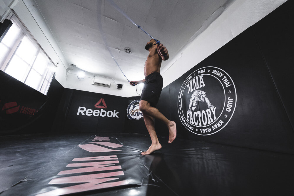 FRA -  MMA : A CONTROVERSIAL SPORT