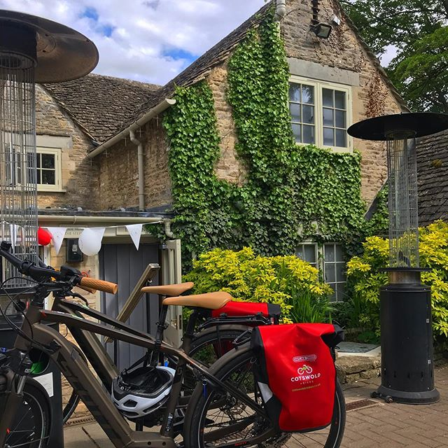 The perfect pit stop @villagepub_barnsley @barnsley_house - - - - - - - - #thecotswolds #pub #countryside #ebike #cycling #cyclinglife #visitbritain #scottbikes #localbusiness #local #bike