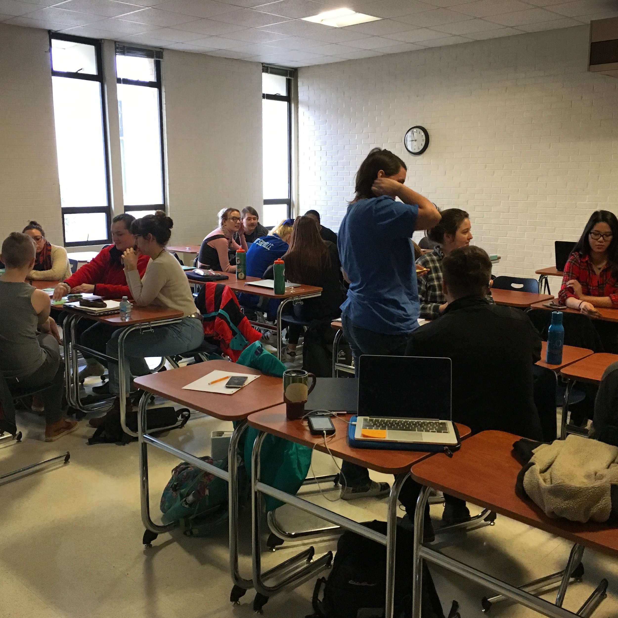 Students enrolled in NEUR216: Fundamentals of Neuroscience at UNC Asheville get into game play