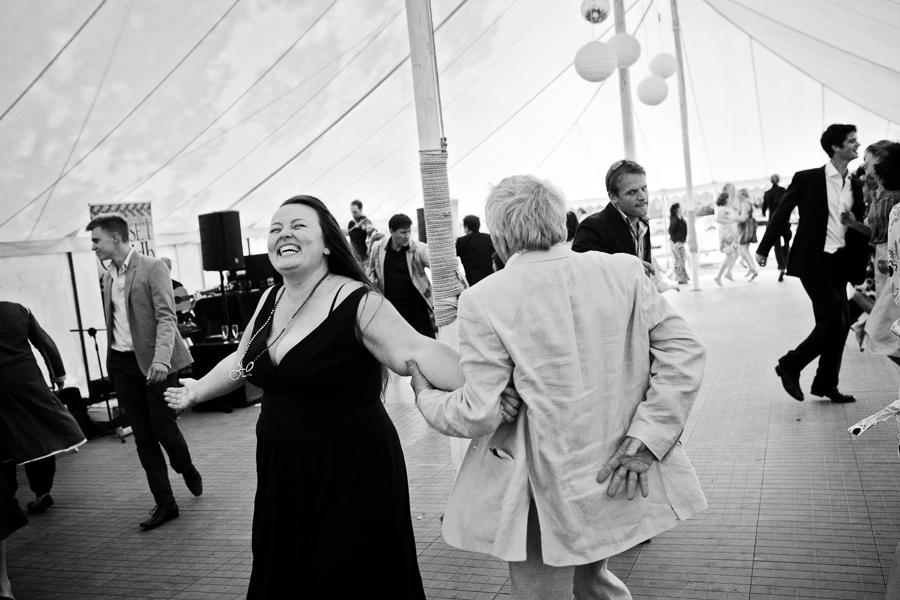 devon-wedding-photography-045.jpg