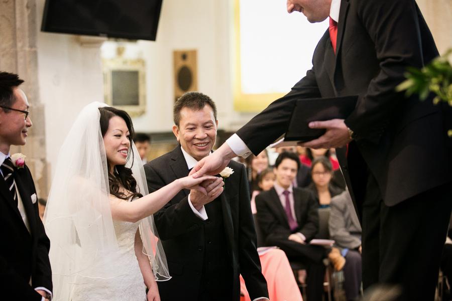 st-helens-bishopsgate-wedding-photography-019.jpg