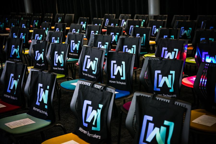 women-tech-makers-at-google-london-2015-001.jpg