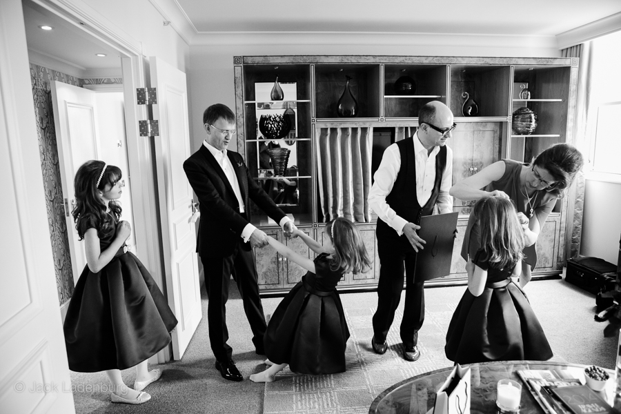 london-wedding-photography-at-The-Ivy 005