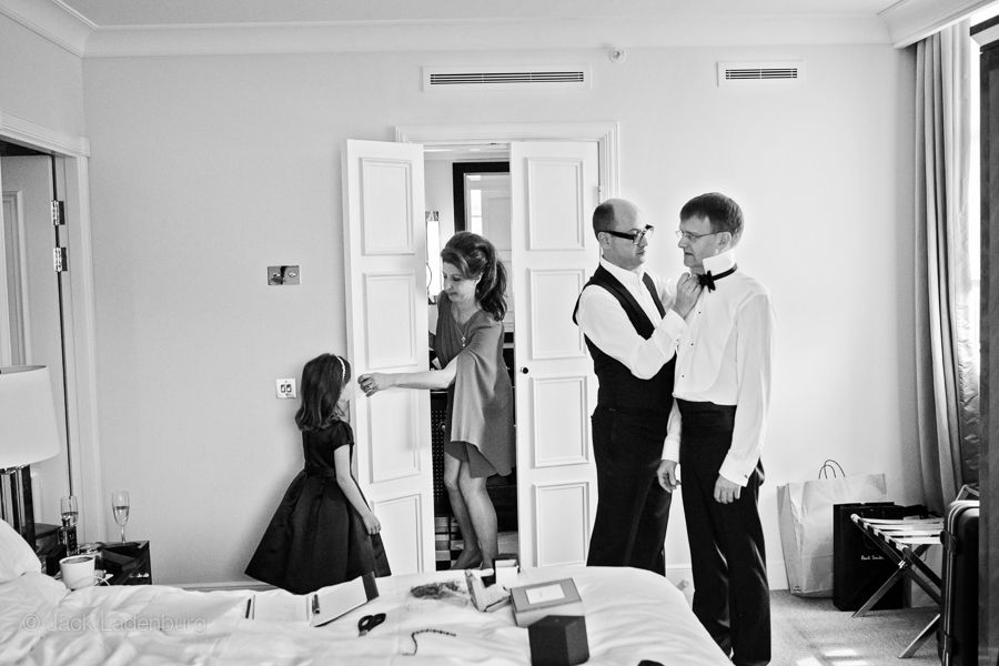 london-wedding-photography-at-The-Ivy 008