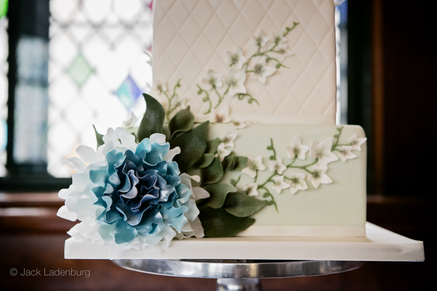 london-wedding-photography-at-The-Ivy 015