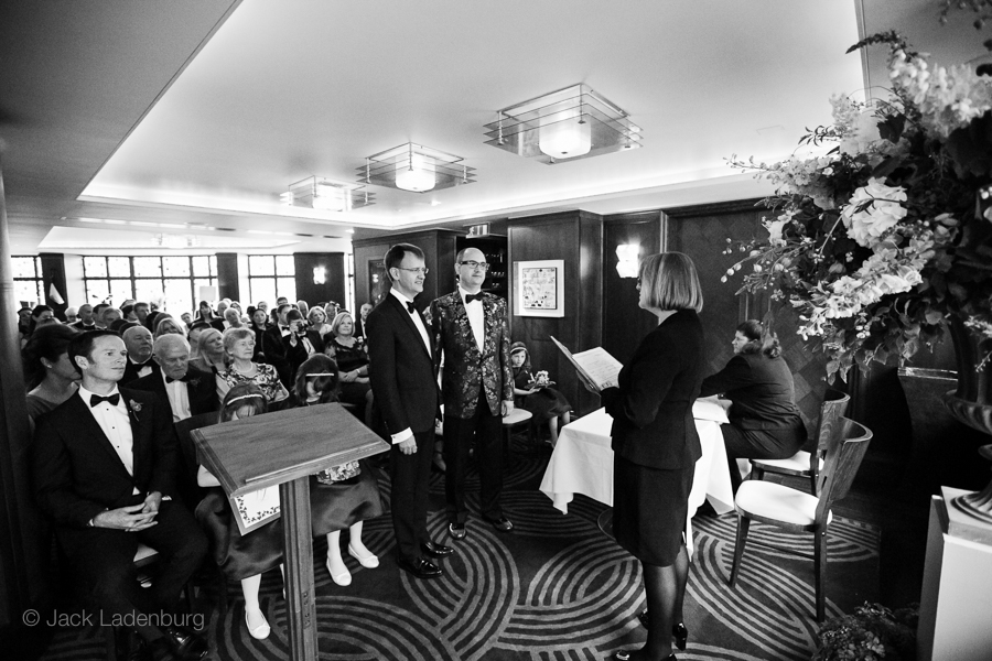 london-wedding-photography-at-The-Ivy 024