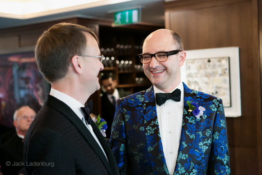 london-wedding-photography-at-The-Ivy 025