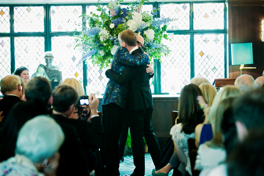 london-wedding-photography-at-The-Ivy 028
