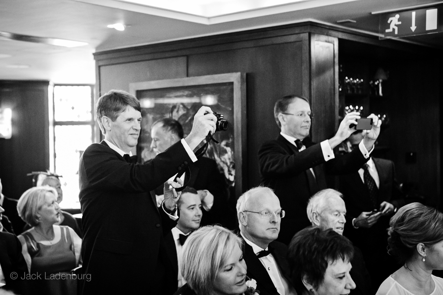 london-wedding-photography-at-The-Ivy 029