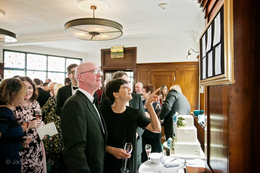 london-wedding-photography-at-The-Ivy 041