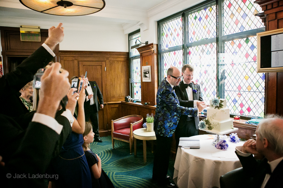 london-wedding-photography-at-The-Ivy 061