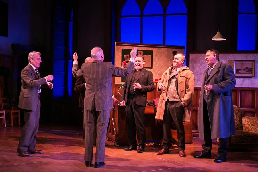 shadowlands-uk-theatre-tour-2016-photos 10