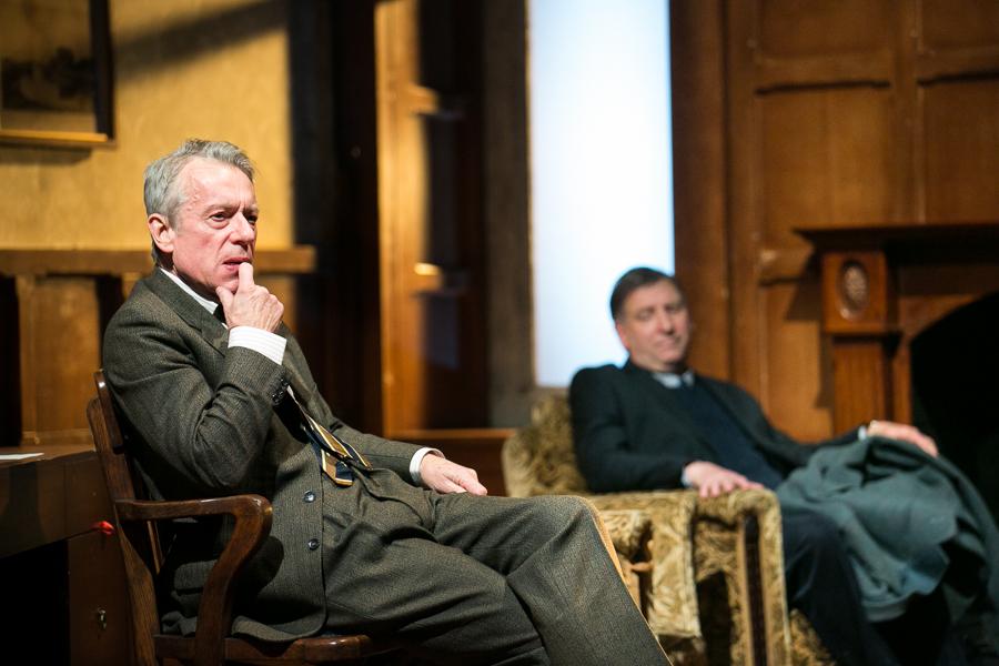 shadowlands-uk-theatre-tour-2016-photos 19